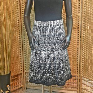 Black and White Skirt from Roz & Ali - Size S